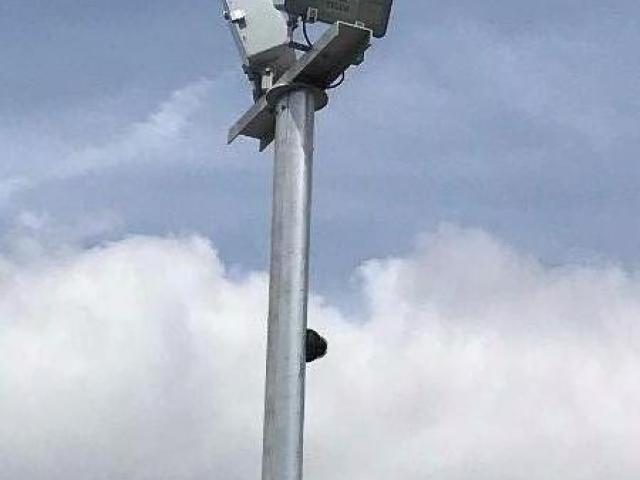 Maintenance d'éclairage extérieur sur un parking à Thillois.