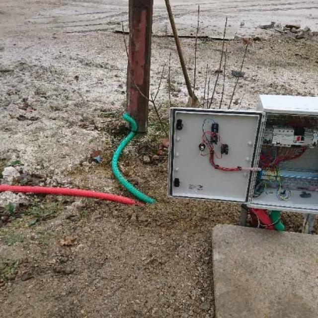 Travaux électriques d'éclairage et de câblage pour une industrie à Lavannes