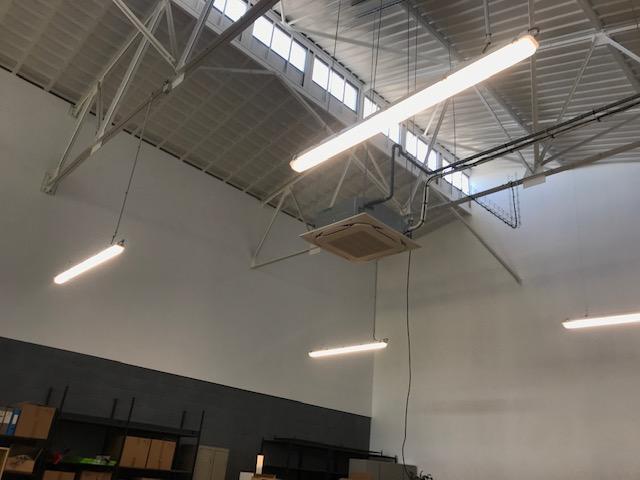 Travaux d'aménagement électrique courants forts et faibles pour une imprimerie.
