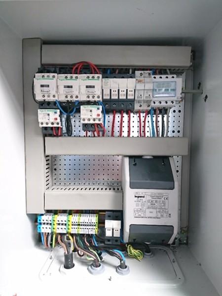 Réallisation d'une armoire de commandes électriques pour un industriel à Reims